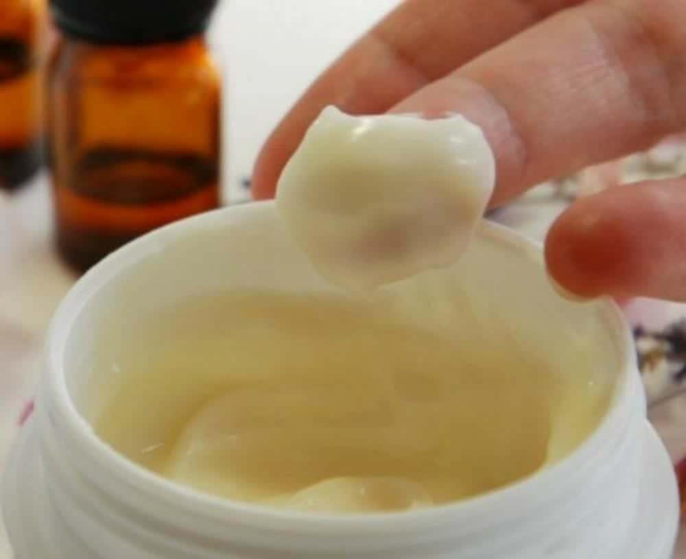 Cách làm đẹp da đến bất ngờ từ bơ ca cao