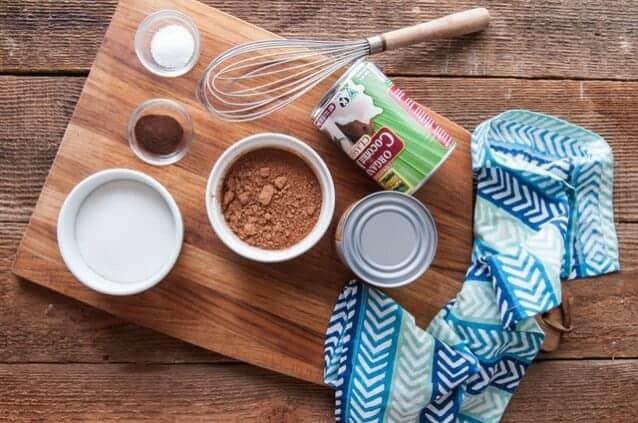 Nguyên liệu làm kem ca cao dừa tươi
