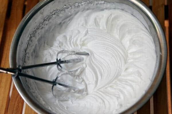 Thơm ngon bổ dưỡng với ca cao nóng kem tươi
